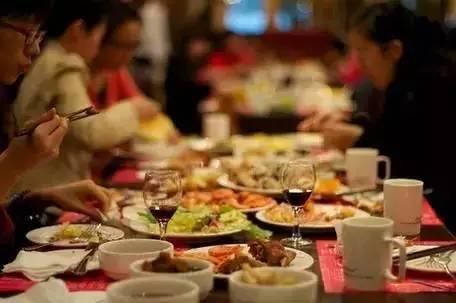 【健康】晚餐决定你的体重和寿命!吃错了,全身遭罪,千万别大意