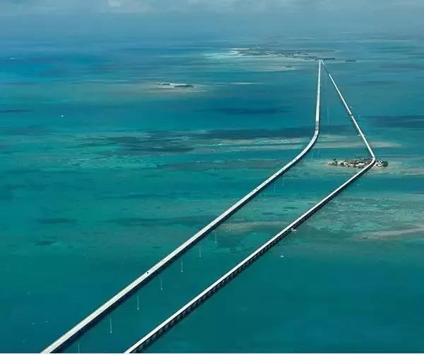 这个秋天去自驾吧!世界10大绝美公路 你最想去哪几个?