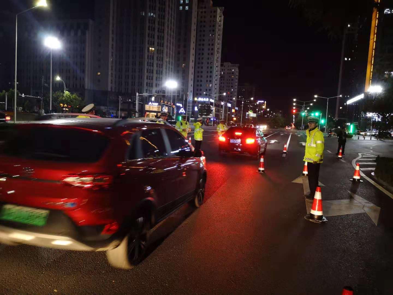 潍坊分类信息网|潍坊女子为练车竟在市区无证驾驶被交警拦下