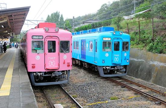 """即将""""结婚""""的两辆电车(朝日新闻)"""