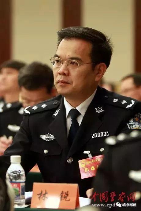 """不到5个月学计算机的""""理工男""""再升职成公安部副部长"""