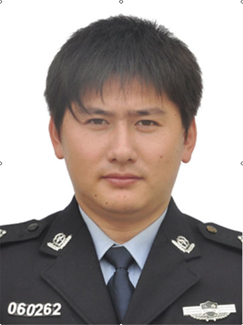 """精雕细琢的刑警""""工匠""""——吴智敏,男,31岁,余江区公安局"""