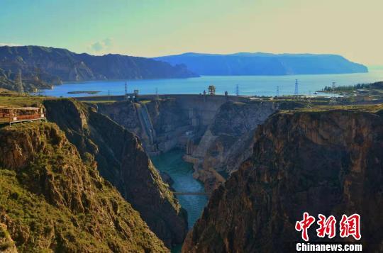 图为青海龙羊峡生态旅游度假景区。(资料图) 鲁丹阳摄