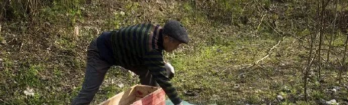 安徽滁州男子清明节挖坟 裸体与父亲尸骨合影! 作者: 来源:凤凰网安徽综合