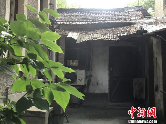 南京10余平方米棚户房炒成豪宅顶级双学区令家长疯狂