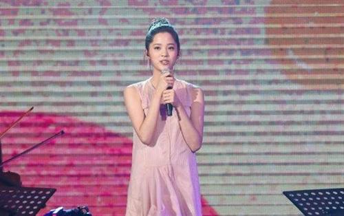 欧阳娜娜首次公开唱歌 被赞遗传姑姑欧阳菲菲好歌喉【星看点】