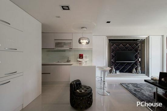 客厅吧台隔断装修效果图5 对称的收纳柜纳入衣帽间,影音机械与鞋柜