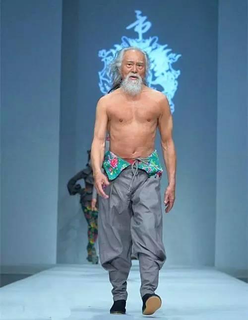"""""""最帅大爷""""王德顺,80岁依然可以活得像个少年"""