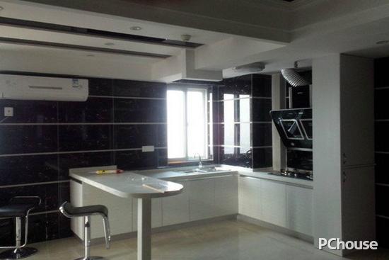 家居装修  开放式厨房设计图 开放式厨房设计图8 吧台,浴缸和开放式