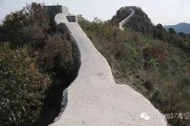 """""""最美野长城""""被抹成了""""路"""",辽宁省文物局局长:确实修得不好看……"""