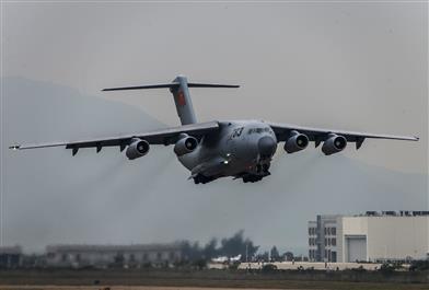 国产大飞机运20飞行展示