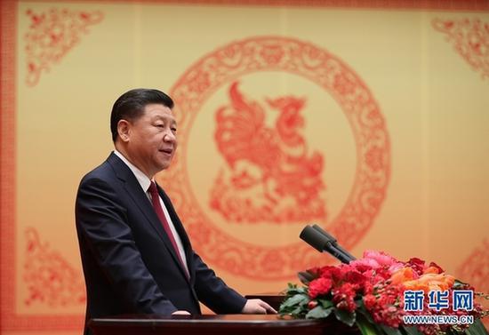 1月26日,中共中央、国务院在北京人民大会堂举行2017年春节团拜会。中共中央总书记、国家主席、中央军委主席习近平发表重要讲话。新华社记者鞠鹏摄
