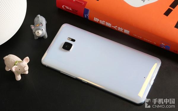HTC U Ultra白色版背面
