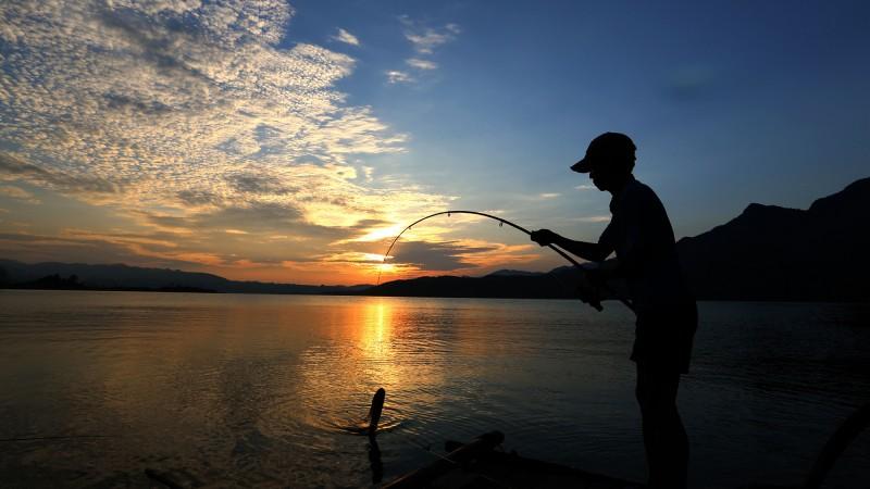 位于仙阳湖畔的维新镇,依山傍水,高峡平湖,自然风光旖旎,森林植被茂密,气候宜人,是都市观光休闲度假的理想之地。