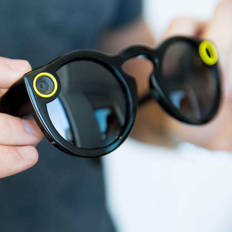 然而,snapchat却逆势而上,让旗下智能眼镜spectacles成为令人感兴趣又