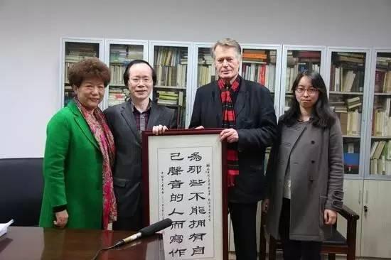 专访诺贝尔文学奖得主:为卑微小人物发声,是中国作家的责任 - 晨曦 - 晨曦的博客