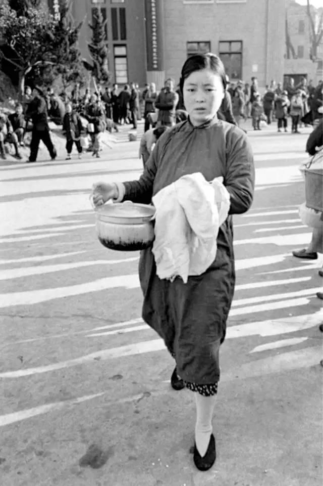 老照片:走向中西合璧的民国女装 - 雷石梦 - 雷石梦