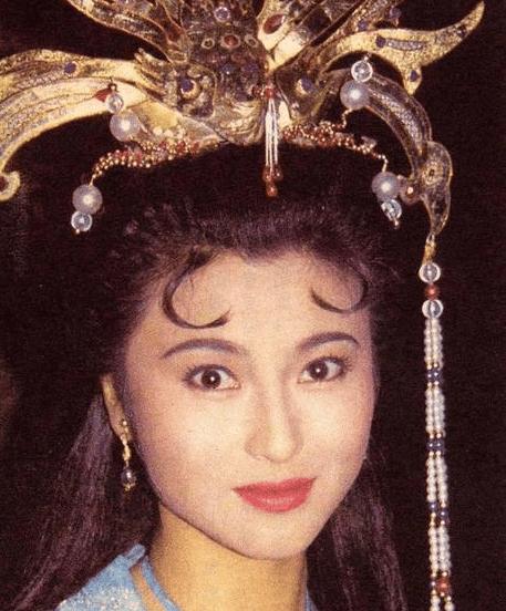 亚视一姐tvb配角陈炜亚视一姐她是亚视一姐,雪藏后失踪12年却幸福的像少女!