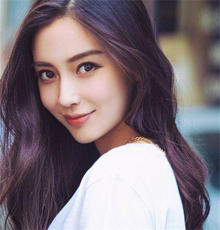 杨颖和黄晓明有了小海绵,她会成为一个合格母亲么?