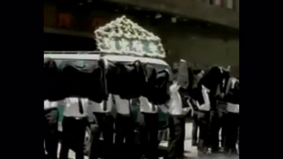 香港黑帮老大李泰龙_老梁说天下:死于非命的香港黑帮老大差佬文,李泰龙