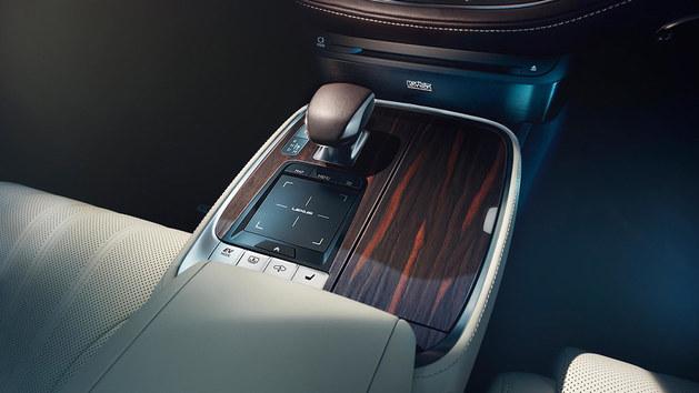 雷克萨斯LS500h混动 将亮相日内瓦车展
