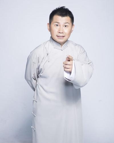 何云伟炮轰郭德纲:靠真人秀出名,带坏相声业风气