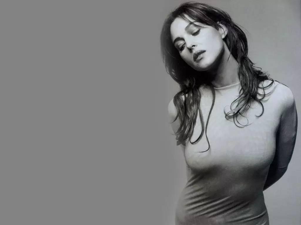 欧美那个歌里有色情_裸露一生却毫不色情,她是不是你的性启蒙老师?