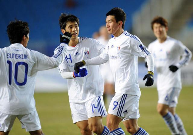 中国足球天才在中国沦为搬运工,加入韩国后却