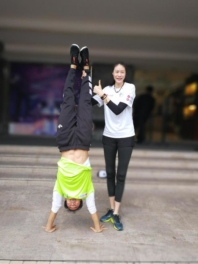 女排名将赵蕊蕊领跑广州马拉松,商业价值不输惠若琪张常宁