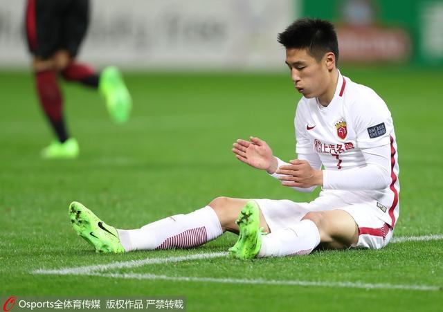 上港输球他可昂首离开,打爆日本豪门 无愧第1前锋
