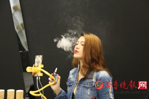 OSUB旋风配美女直播, 艾维普思引领电子烟展