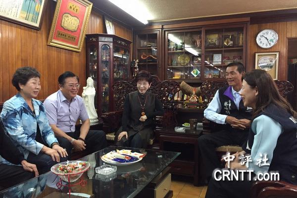 台北市长民调朱立伦居第二 洪秀柱:高兴 (图)