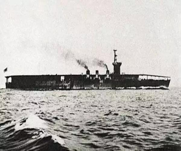 """日本就将货船""""若宫丸""""号改造为可搭载水上飞机的军舰,进攻中国青岛的"""