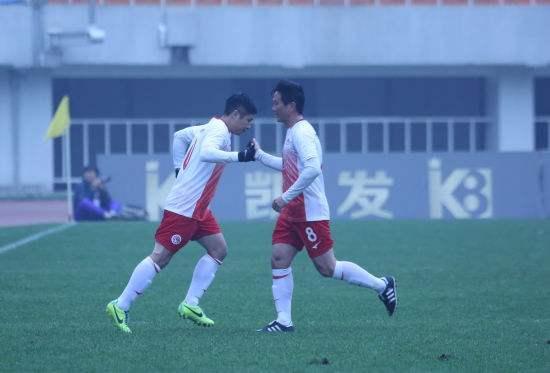唐淼唐鑫亲兄弟对脚厮杀 中国足坛这些同上阵的亲兄弟