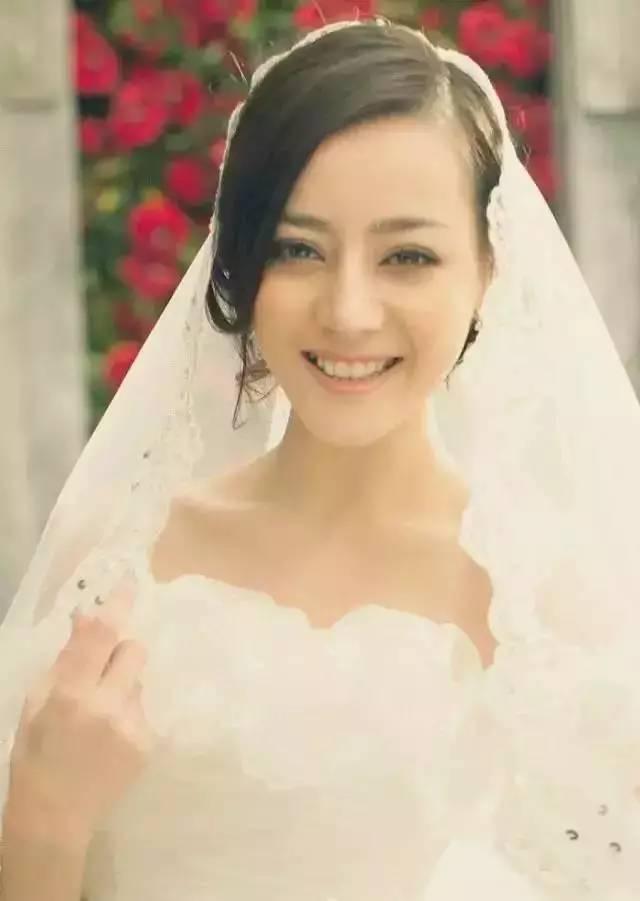 迪丽热巴婚纱照算什么刘亦菲霍建华刚出道写真简直笑疯了_凤凰彩
