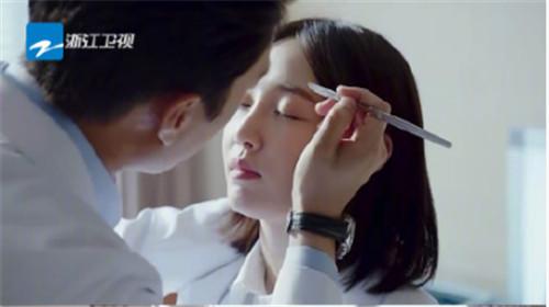 白百何强吻了靳东三次,靳东说再也不想拍吻戏了(图)