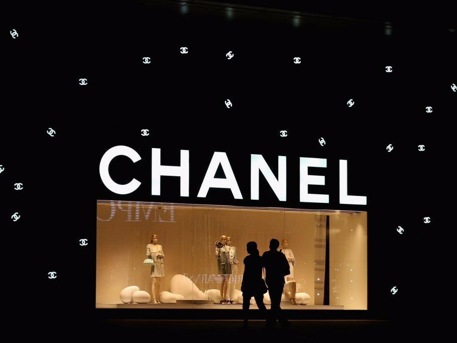 试水电商后Chanel反悔了,时装部门总裁表示今后重心将放回传统零售业务