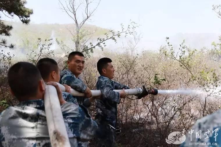 秒速时时彩兵事 能打仗、会救火的兵哥哥,再来一打要不