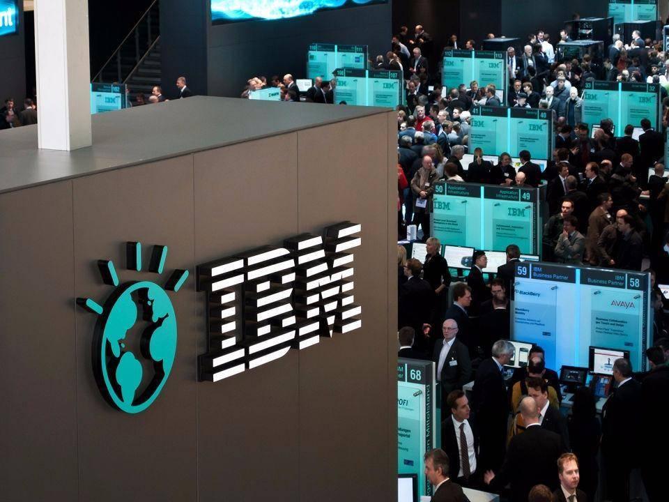 巴菲特清仓IBM背后:战略领先十年,模式落后百年