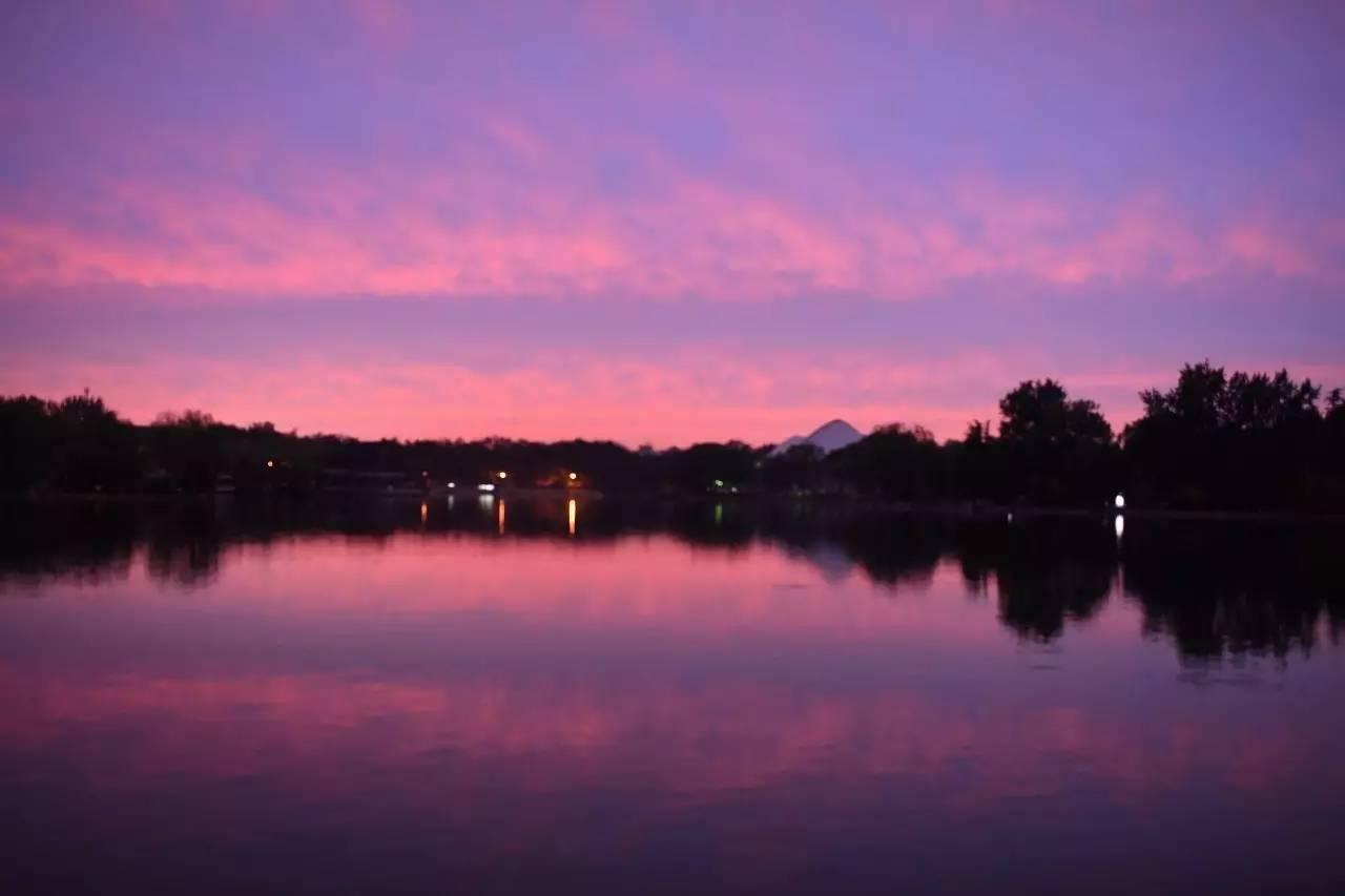 雨后的北京美极了漫天的火烧云还有绚烂的晚霞老壮观了_山西11选5