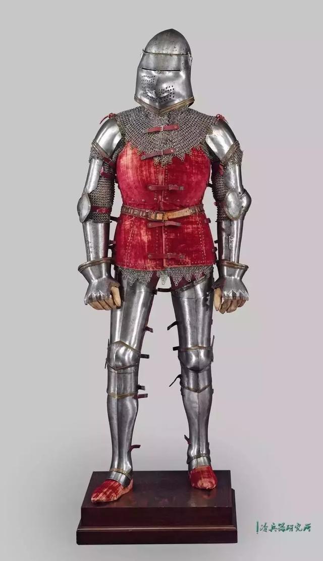 游走在盔甲上的艺术:中世纪的欧洲骑士都是外貌协会?图片