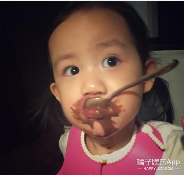 不到4岁就想嫁王子黄磊的小女儿实在太太太可爱了