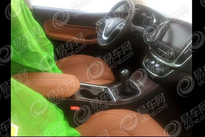 宝骏560七座版车型谍照曝光 或于年底上市