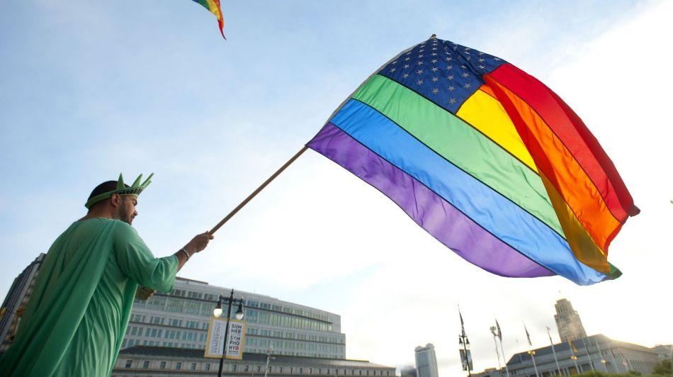 包容和多样 彩虹旗的颜色都代表什么?