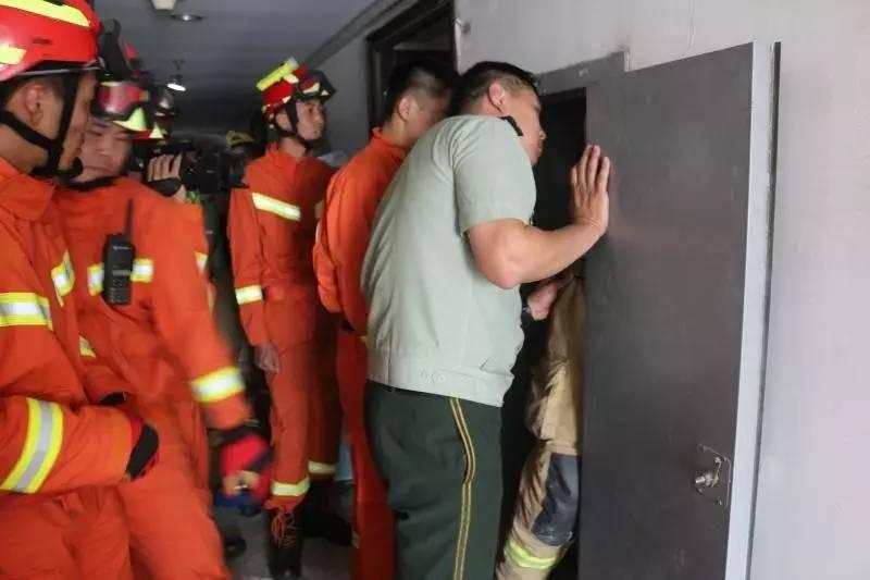 突发!家长不留心,2岁宝宝从22楼掉进了通风井