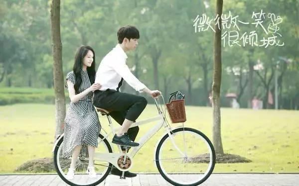 郑爽和罗晋举止亲密被拍!惹得唐嫣吃醋?骑单车
