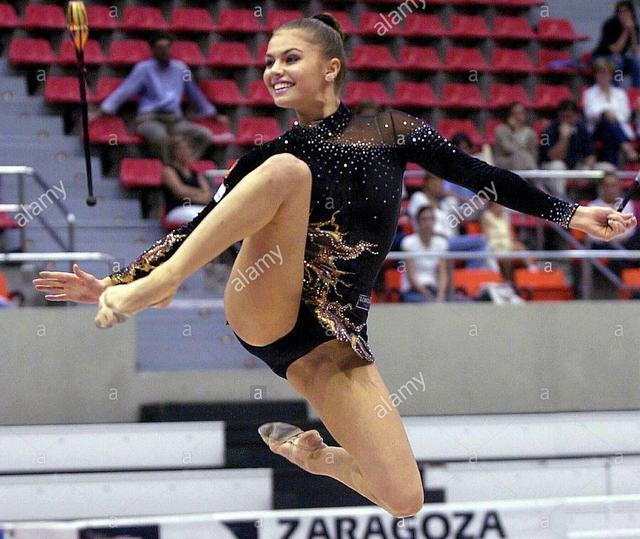 霍尔金娜与普京_俄罗斯体操队历来盛产美女,有\