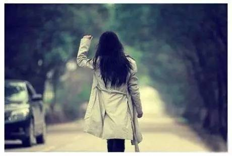 单身女微信摇到帅哥,韩胜妍 尼坤,很快江泽玲简历陷入热恋,可婚礼前发现了对方一个秘密