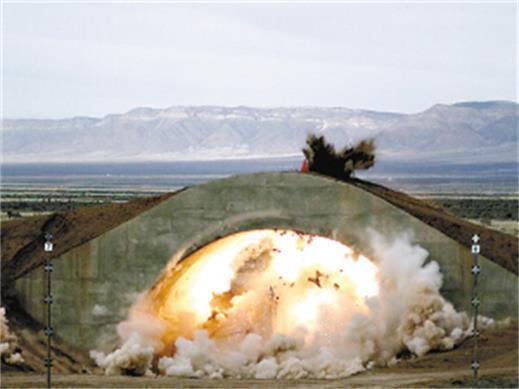 中国钻�����(c_中国钻地炸弹另辟蹊径 可从高空径直砸下