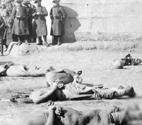 被联军屠杀的义和团团员
